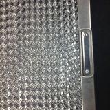 Prüfender Ventilator vor Filter-Küche Fett-Filter