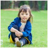 Cardigan bleu de laines de 100% pour des filles