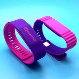 L'alta qualità 13.56MHz si raddoppia Wristband del silicone di colori NTAG213 RFID NFC