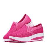 La aptitud al por mayor de las señoras calza los zapatos cada vez mayores de la aptitud de la altura