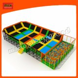 Neuer Entwurf moderne Moonwalker Trampoline-Parks, Trampoline-springendes Bett mit Sicherheitsnetz