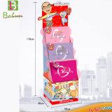Beau et coloré étalage d'exposition de brochure de carte de cadeau