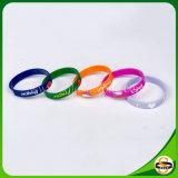 Nette verschiedene Farben-kundenspezifischer Firmenzeichen-Silikon-GummiWristband für Ereignisse