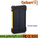 Flashligh Ipx6は10000mAh緊急の太陽エネルギーバンクを防水する