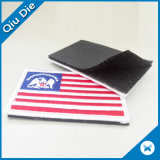 Correção de programa bordada 3D feita sob encomenda do ferro da roupa da garganta do logotipo da bandeira