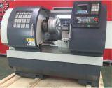 Piccola macchina del tornio di CNC con la base propensa per gli accessori Yachting lavoranti (CK6150)