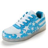 Самыми новыми классицистическими ботинки света подгонянные ботинками светлые СИД звезды звезды способа синими