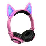 Éclairage LED sur l'écouteur stéréo sans fil de musique de Bluetooth d'oreille de chat d'oreille