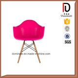 Salle à manger chaise en plastique coloré réplique Eames Daw Président de l'accoudoir