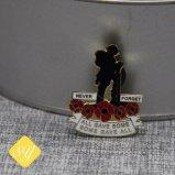 Distintivo su ordinazione del metallo dello smalto molle duro dello stagno di Pin del risvolto di alta qualità