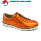学生のためのPUの甲革が付いている新しいカラー偶然靴