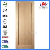 La cuisine d'acajou faite sur commande de dispositif trembleur de portes de portes en bois faites sur commande conçoit la porte