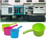 射出成形機械を作るプラスチック水スコップ