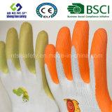 Le caoutchouc spongieux a enduit les gants de jardinage de travail