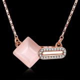 ジルコンの物質的な金によってめっきされる女性の石造りのネックレス