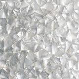 Weißes Lippenmopp-Shell-unregelmäßige Dreieck-Mosaik-Fliese