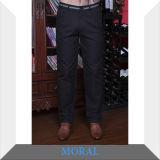 Pantaloni casuali del nero di affari degli uomini