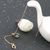 方法宝石類の女性の金によってめっきされるダイヤモンドの魅力のブレスレット