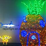海公園ライトショーのための装飾ライトを示すクリスマスの美化
