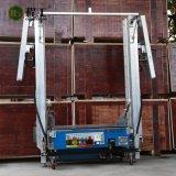 構築のレンダリング機械を塗るコンクリートの壁のコンクリートミキサー車