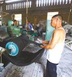 Máquina de borracha recuperada pneu usada/folha de borracha que faz a máquina