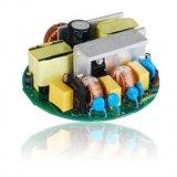 O condutor LED com o PCB e os componentes eletrônicos