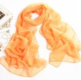 オレンジ軽くて柔らかく長いスカーフのバンダナ