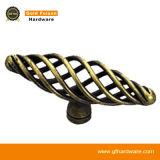 亜鉛合金の空の家具のノブの古典的なキャビネットのハンドルの家具のアクセサリ(D088)