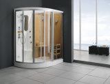 サウナのシャワーの小屋の蒸気部屋