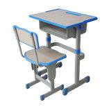 Mesa estável e cadeira pretendidas para crianças
