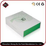 Зеленая коробка упаковки бумаги подарка прямоугольника для косметики