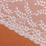 Способ вводит белую ткань в моду шнурка тканья занавеса для сбывания