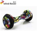 電気スクーター10inchスマートな電気Hoverboardのバランスをとっている自己