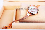 Horloge van de Armband van in het groot Vrouwen het Modieuze Gouden voor de Meisjes van Dames