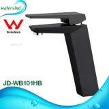 Colpetto di acqua caldo di Jd-Wb101hb e freddo placcato elettrico nero della stanza da bagno
