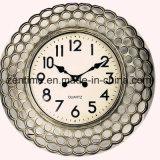 El reloj de pared grande de diverso del color marco del metal para la decoración casera