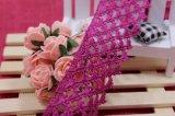 高品質の標準的な卸し売り三角形のドアの形5cmの幅の刺繍のレースTeryleneか衣服アクセサリ及びカーテン及びホーム織物の装飾のためのポリエステルレース