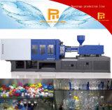 Moulage par injection de machine et de plastique de moulage par injection de préforme de bouteille faisant la machine