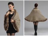 Acrylic Knitted Faux Furの女性トリムの冬の方法ショール(YKY4475)
