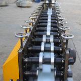 C/U/Z het Broodje dat van de Kiel van het staal Machine vormt