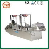 기계를 만드는 자동적인 튀기는 기계와 감자 감자 튀김