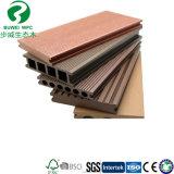 Деревянный пластичный Decking текстуры WPC плавательного бассеина деревянный