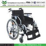 Sedia a rotelle di alluminio di lusso chiara