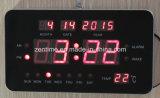 日付が付いている電子デジタルカレンダの棚か柱時計