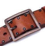 2017 Design de Moda Mens Rebites Vintage cintos de couro castanho