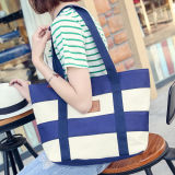 Der 2017 Frauen-Strand-Segeltuch-Beutel-Form-Farbe Stripes Drucken-Handtaschen-Dame-große Schulter-BeutelTotes beiläufige Bolsa Einkaufen-Beutel