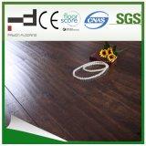 12mm Oak Caramel V-Bevelled European Style Water Proof Utiliser German Technology Laminated Floor