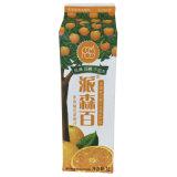 dreieckiger Karton des Orangensaft-1L mit Schutzkappe