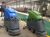Camminata manuale dietro l'essiccatore di ceramica dell'impianto di lavaggio del pavimento della macchina di pulizia