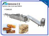Cadena de producción de la barra de Granola con el envolvimiento del chocolate